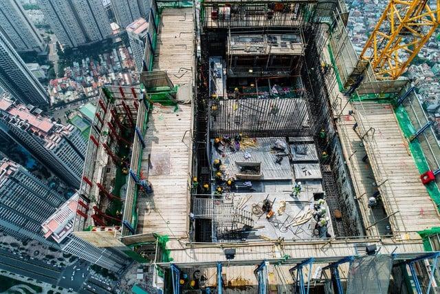 Cận cảnh tòa tháp cao nhất Việt Nam Landmark 81 chuẩn bị cất nóc 2