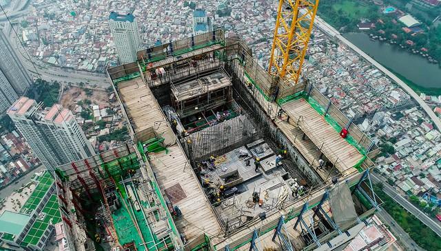 Cận cảnh tòa tháp cao nhất Việt Nam Landmark 81 chuẩn bị cất nóc 4