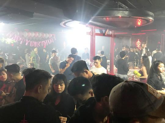 Sài Gòn: Đột kích quán bar chui, phát hiện nhiều dân chơi ma túy 1