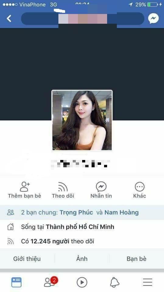 Lộ ảnh thẻ thời con trai của cô gái khoe thân phản cảm trong trận đấu U23 Việt Nam gặp Iraq 8