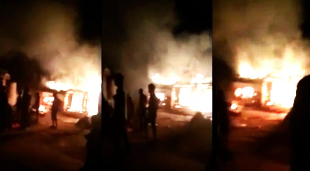 Nghịch tử châm lửa đốt nhà bố mẹ sau khi xem trận U23 Việt Nam - Iraq 1