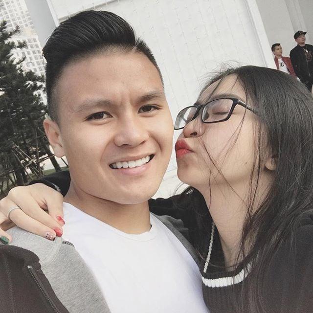 Ghen tỵ với nhan sắc của bạn gái Nguyễn Quang Hải U23 Việt Nam 1