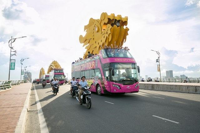 U23 Việt Nam được đón bằng chuyên cơ và diễu hành bằng xe buýt hai tầng khi về nước? 1