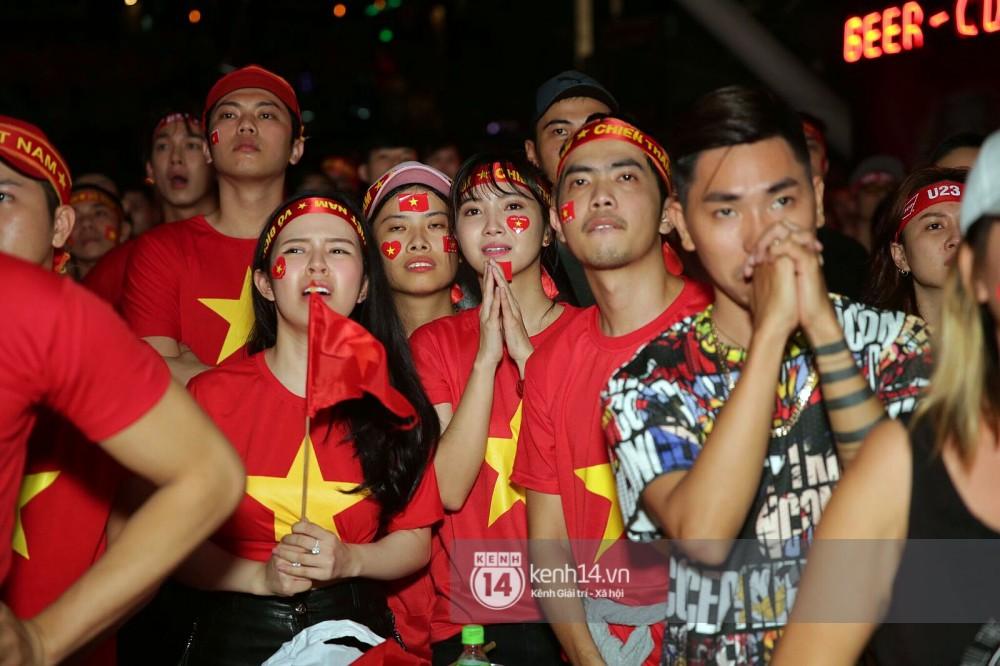 Sao Việt đã khóc như mưa sau màn thua vào phút chót của đội tuyển U23 Việt Nam 2