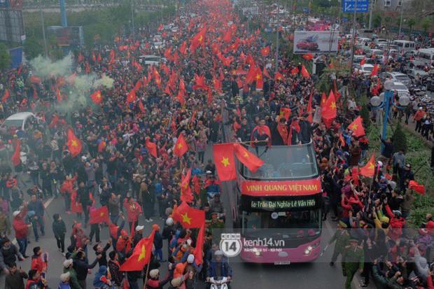 Bạn có tò mò về chiếc xe bus đón các tuyển thủ U23 Việt Nam hôm qua? 1