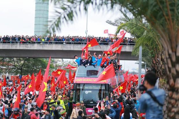 Bạn có tò mò về chiếc xe bus đón các tuyển thủ U23 Việt Nam hôm qua? 5