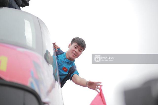 Bạn có tò mò về chiếc xe bus đón các tuyển thủ U23 Việt Nam hôm qua? 6