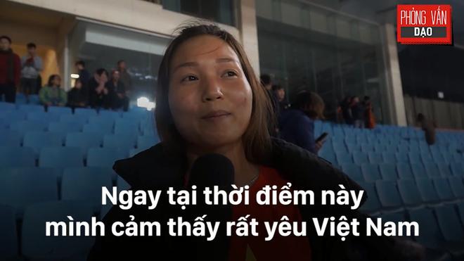 Hình ảnh Phỏng vấn dạo: Cảm xúc của người hâm mộ khi đón U23 Việt Nam trở về trong vòng tay số 2
