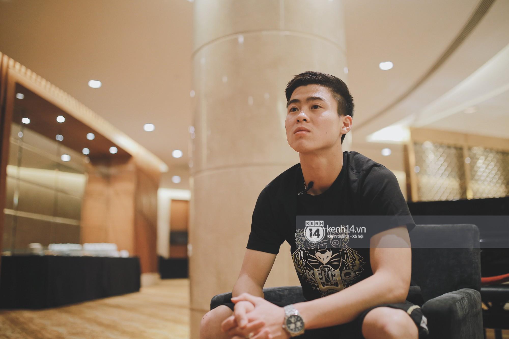 Hot boy Duy Mạnh U23: Trong đội chỉ có mình với Hồng Duy bán hàng online, nhưng thật ra là... đăng hộ bạn gái đấy! 5