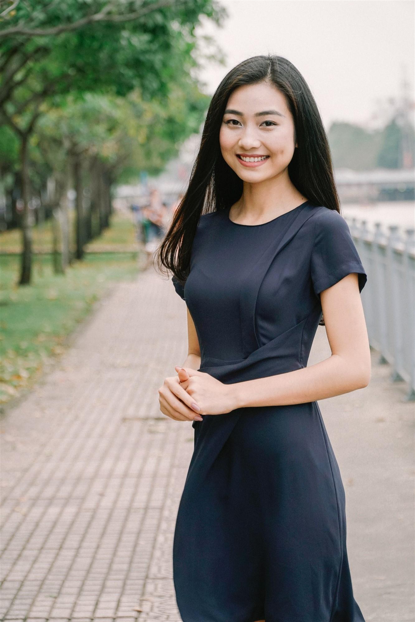 Mỹ nhân của Hoa hậu Việt Nam 2016 bất ngờ làm MC trong bản tin thời sự của VTV9 2