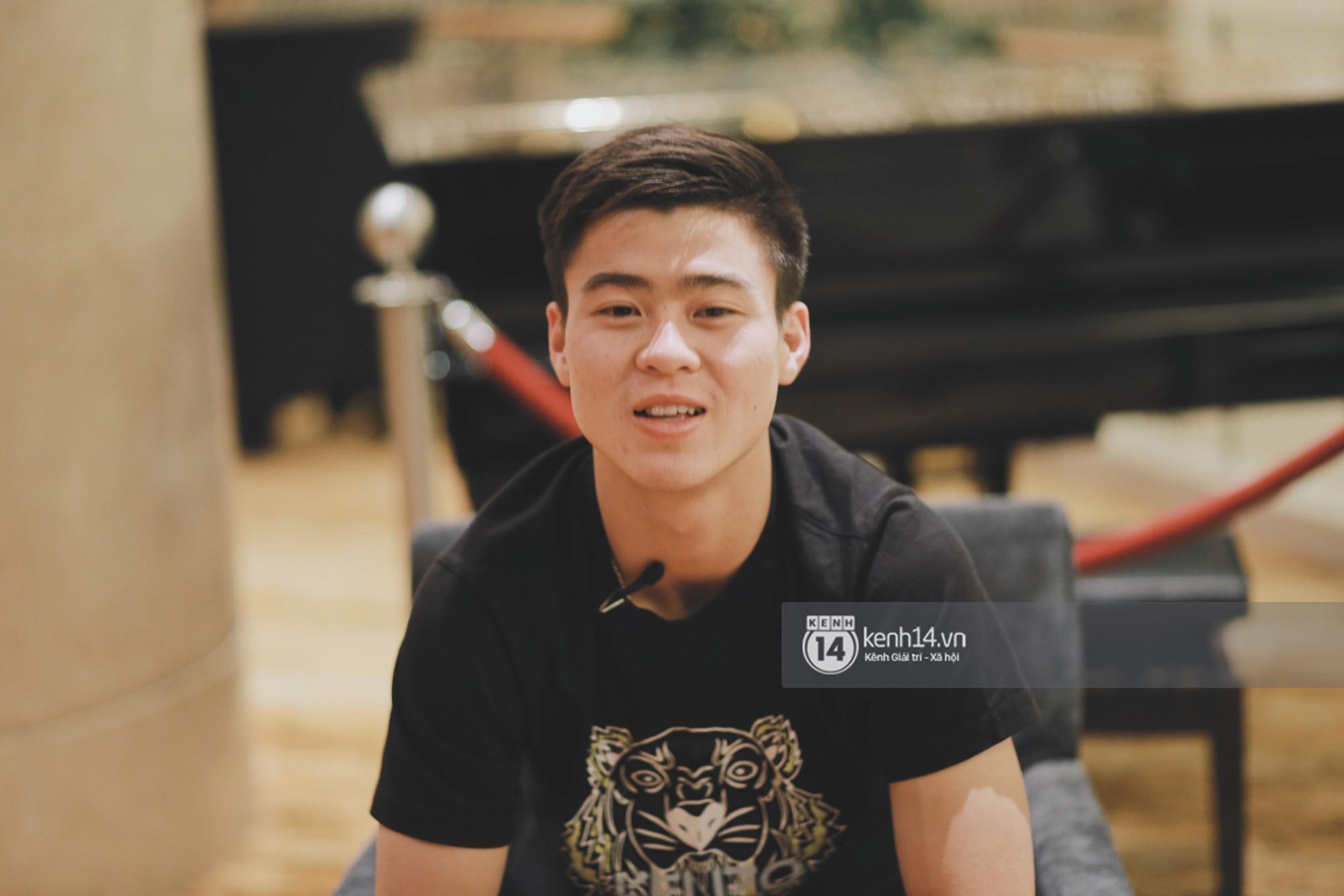 Hot boy Duy Mạnh U23: Trong đội chỉ có mình với Hồng Duy bán hàng online, nhưng thật ra là... đăng hộ bạn gái đấy! 3
