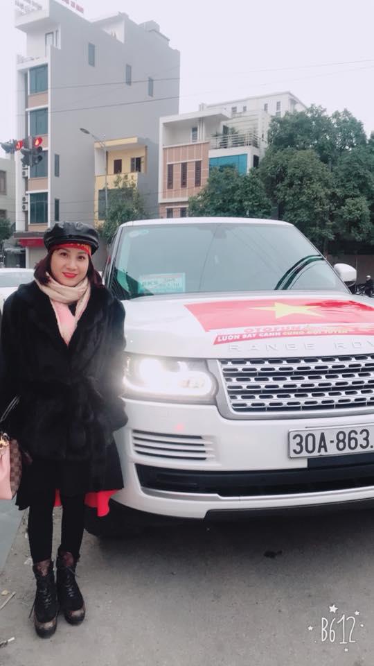 Đoàn Văn Hậu U23 được đại gia Thái Bình đón rước về quê bằng siêu xe 1