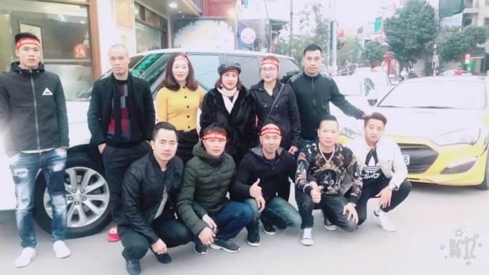 Đoàn Văn Hậu U23 được đại gia Thái Bình đón rước về quê bằng siêu xe 2