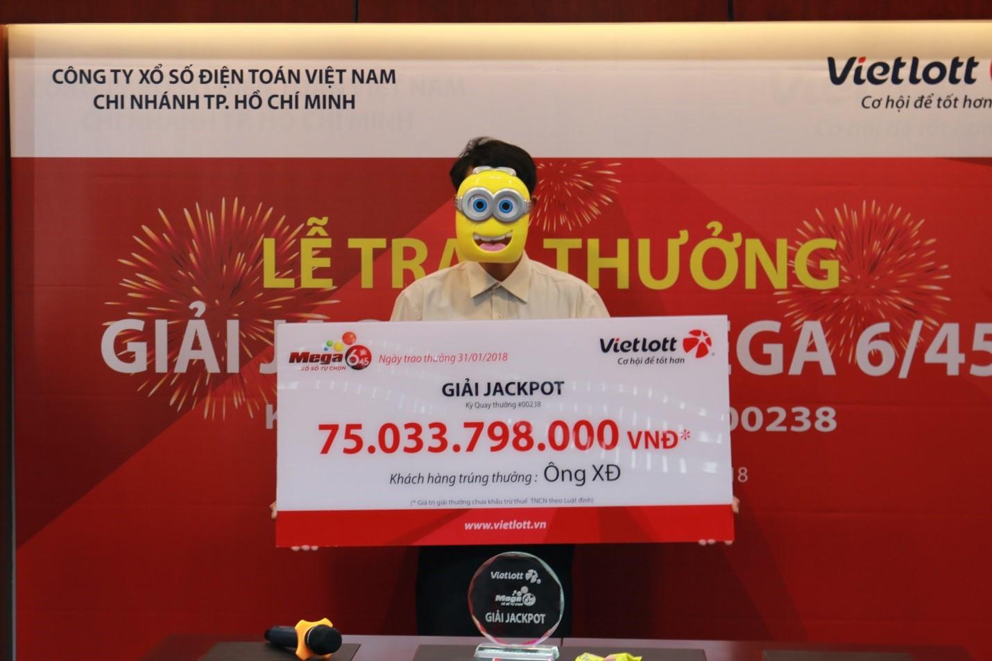 Người trúng 75 tỉ đồng vé số Vietlott tặng 100 triệu cho đội U23 Việt Nam 1