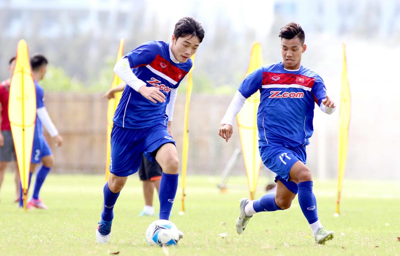 Văn Thanh nói về màn khoanh tay ăn mừng và tiết lộ chàng cầu thủ mà anh quý mến nhất trong đội tuyển U23 Việt Nam 5