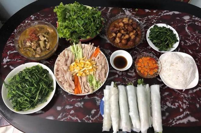 Cao thủ chi tiêu Hà Nội: Chỉ tốn 4,5 triệu/tháng tiền chợ cho 4 người lớn mà bữa nào cũng như đại tiệc 2