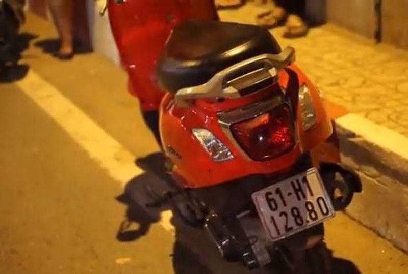 Cô gái bỏ xe máy trên cầu, nhảy sông Sài Gòn mất tích 2