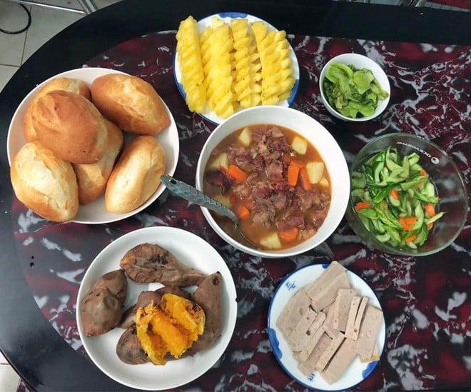 Cao thủ chi tiêu Hà Nội: Chỉ tốn 4,5 triệu/tháng tiền chợ cho 4 người lớn mà bữa nào cũng như đại tiệc 11