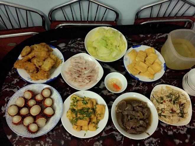 Cao thủ chi tiêu Hà Nội: Chỉ tốn 4,5 triệu/tháng tiền chợ cho 4 người lớn mà bữa nào cũng như đại tiệc 17