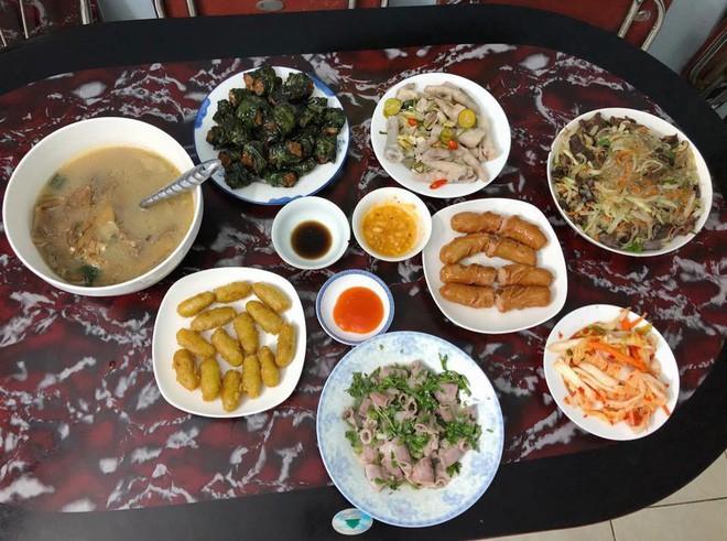 Cao thủ chi tiêu Hà Nội: Chỉ tốn 4,5 triệu/tháng tiền chợ cho 4 người lớn mà bữa nào cũng như đại tiệc 9
