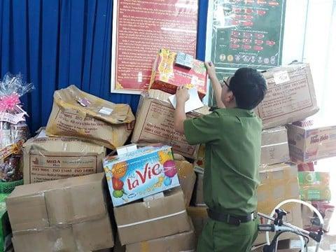 TP.HCM: Gần 10.000 chai nước hoa làm giả các nhãn hiệu nổi tiếng bị thu giữ 2
