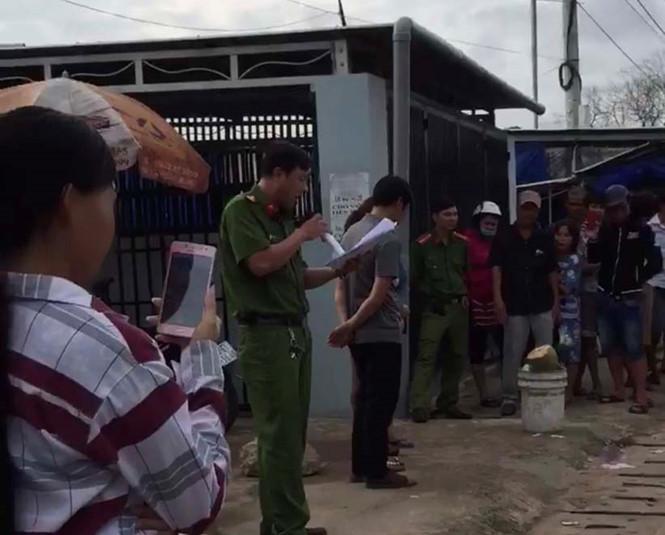 Tổ chức xin lỗi người bị bêu riếu vì mua, bán dâm tại trụ sở công an huyện 1