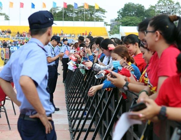 Hàng chục nghìn con tim rực lửa đón U23 Việt Nam tại SVĐ Thống Nhất 2