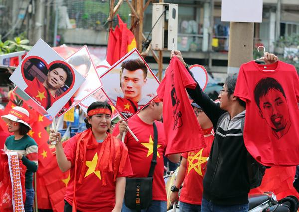Hàng chục nghìn con tim rực lửa đón U23 Việt Nam tại SVĐ Thống Nhất 3
