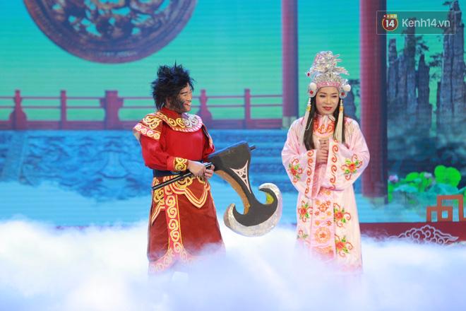 Chùm ảnh đẹp: Cận cảnh dàn nghệ sĩ trên sân khấu hoành tráng của Táo Quân 2018 4