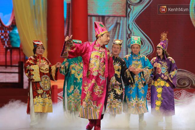 Chùm ảnh đẹp: Cận cảnh dàn nghệ sĩ trên sân khấu hoành tráng của Táo Quân 2018 8