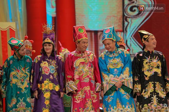 Chùm ảnh đẹp: Cận cảnh dàn nghệ sĩ trên sân khấu hoành tráng của Táo Quân 2018 10