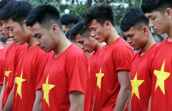 Hình ảnh Hàng chục nghìn con tim rực lửa đón U23 Việt Nam tại SVĐ Thống Nhất số 5