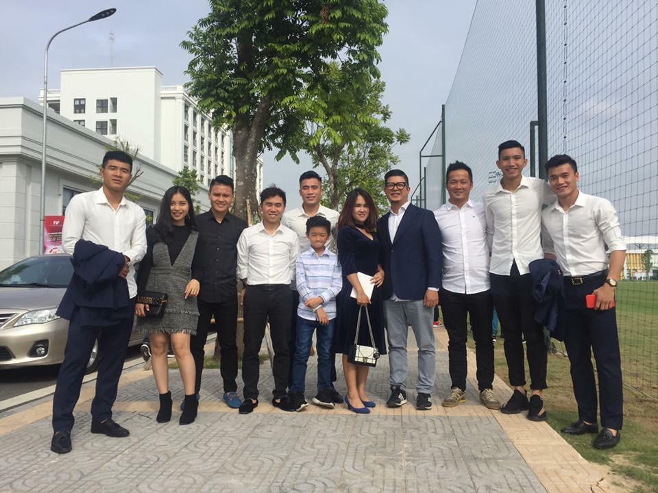 Duy Mạnh mê Gucci, Tiến Dụng - Văn Hậu cuồng Yeezy, U23 Việt Nam cũng chịu khó đầu tư giày ra phết 4