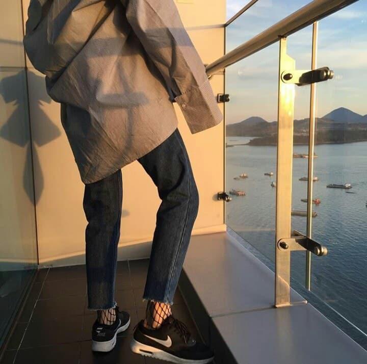 Chàng trai giận tím mặt khi bạn gái đi dép lào, mặc quần jean cả tuần không giặt đến đám cưới sếp 2