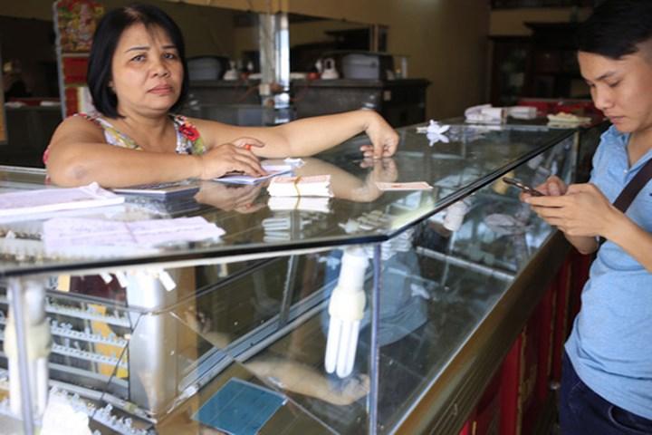 Vụ cướp táo tợn ở tiệm vàng Bình Dương: Máu nghi phạm chảy đầy đường 4