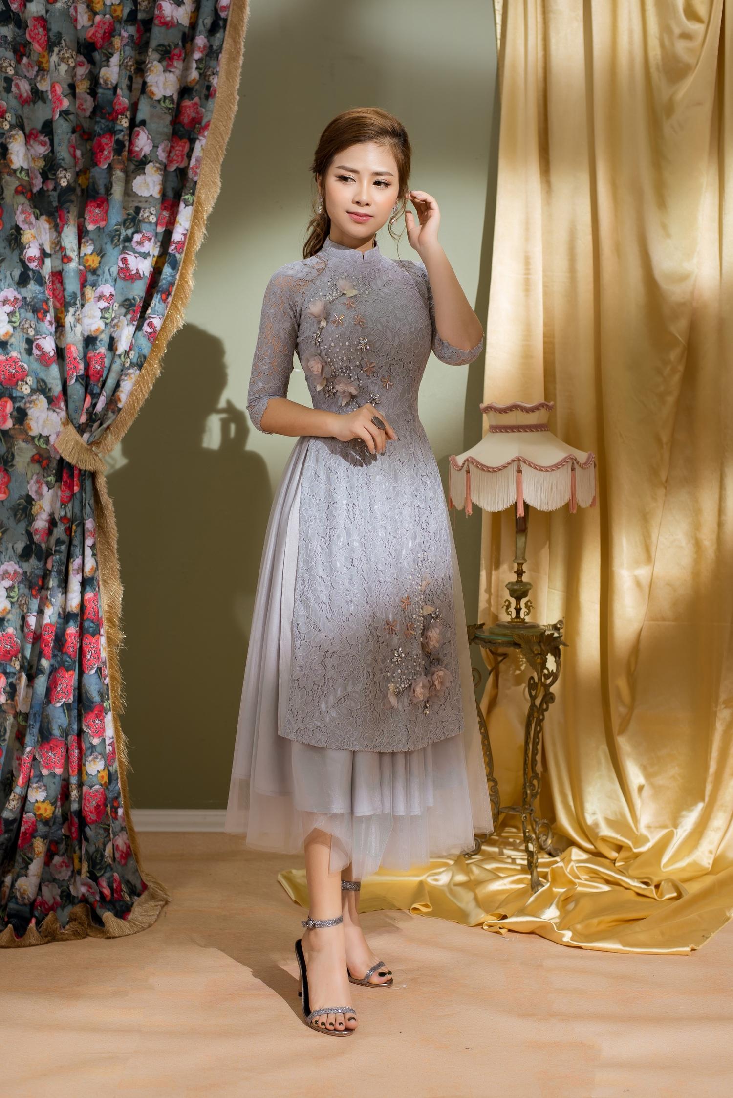 Dương Hoàng Yến khoe vẻ đẹp hút hồn trong tà áo dài đón xuân 1