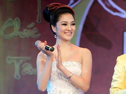 Hình ảnh Sau 14 năm đăng quang, cuộc sống của Hoa hậu Nguyễn Thị Huyền giờ ra sao? số 5