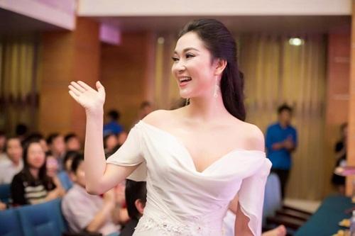 Hình ảnh Sau 14 năm đăng quang, cuộc sống của Hoa hậu Nguyễn Thị Huyền giờ ra sao? số 6
