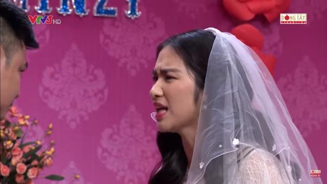 Hình ảnh Hòa Minzy bật khóc khi bị nhắc về quá khứ với Công Phượng số 7