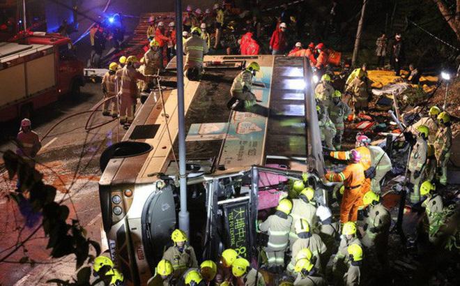 Hình ảnh Lật xe buýt 2 tầng, 18 người tử vong tại chỗ số 1