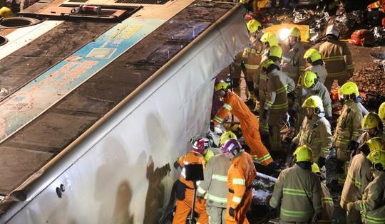 Lật xe buýt 2 tầng, 18 người tử vong tại chỗ 2