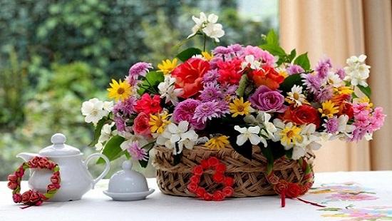 Hình ảnh Bỏ những thứ này vào bình, hoa tươi suốt 10 ngày Tết mà không cần hóa chất số 1