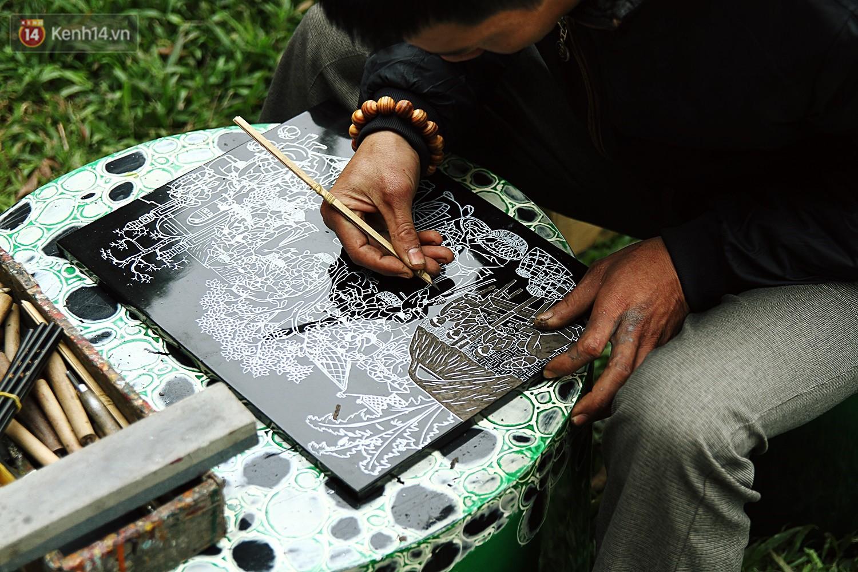 Sau nhiều cuộc thi sát hạch, hơn 60 ông đồ tề tựu trong hội chữ xuân 2018 để tái hiện lại không khí Tết xưa - Ảnh 12.