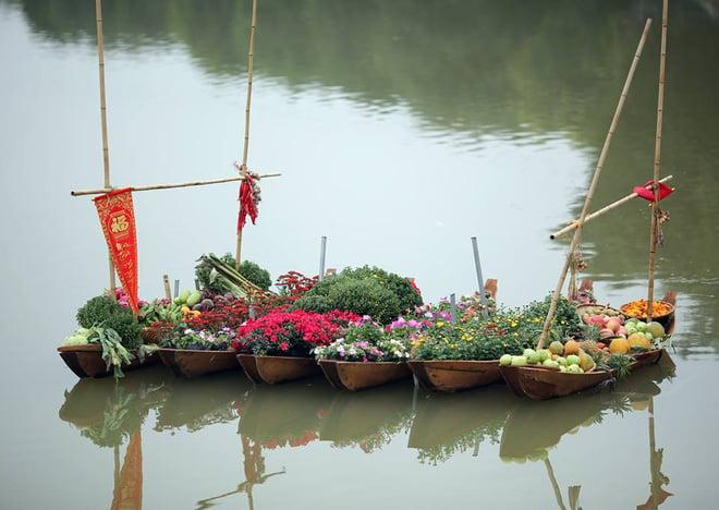 Thích thú với cảnh đi cà kheo tại lễ hội xuân 3 miền ở Hà Nội 2