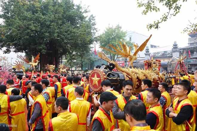 Pháo dài 6m được rước suốt 2 tiếng tại lễ hội Đồng 2