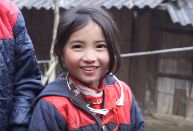Bé gái HMông gây chú ý khi xuất hiện trong clip của dân phượt với nụ cười cực xinh 3