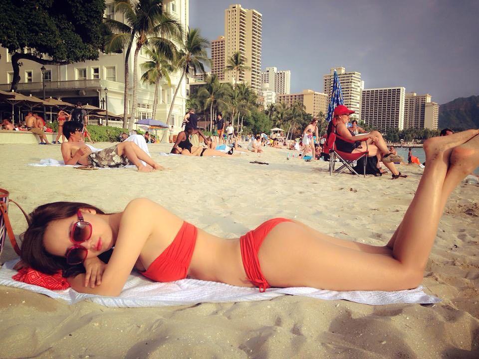 Mai Phương Thúy lại khoe ảnh Bikini bỏng mắt 1