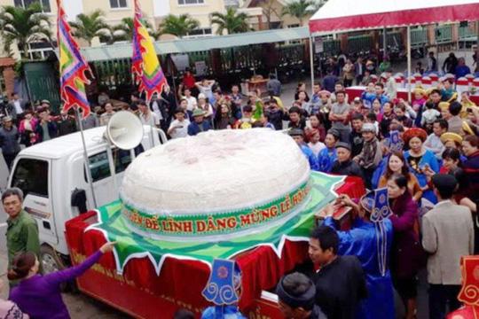 Thanh Hóa: Xin dâng bánh dày 3 tấn dịp giỗ tổ Hùng Vương 1