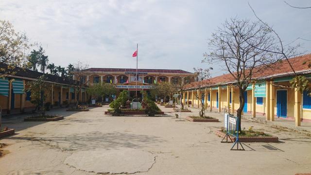 Hình ảnh Tự ý cho học sinh nghỉ học dài ngày sau Tết, Ban giám hiệu nhà trường bị kỷ luật số 1