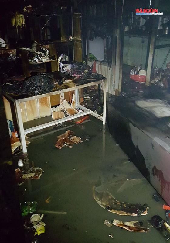 Cứu 5 trẻ em trong căn nhà cháy giữa đêm ở Đà Lạt 1